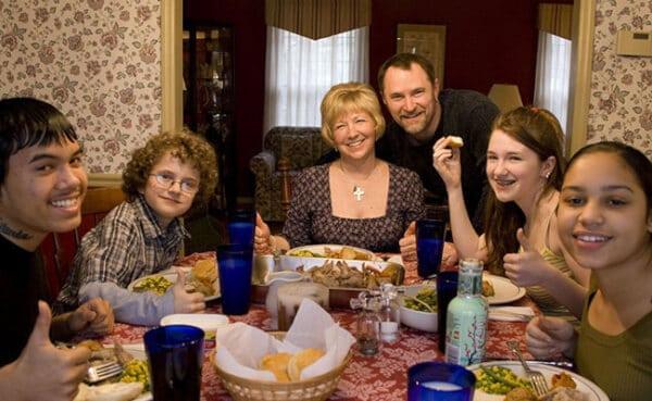 family-dinner-crop-flkr
